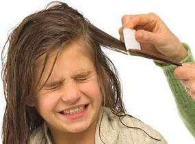 После использования любого средства волосы нужно прочесать